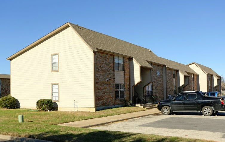 Exterior at Listing #269226