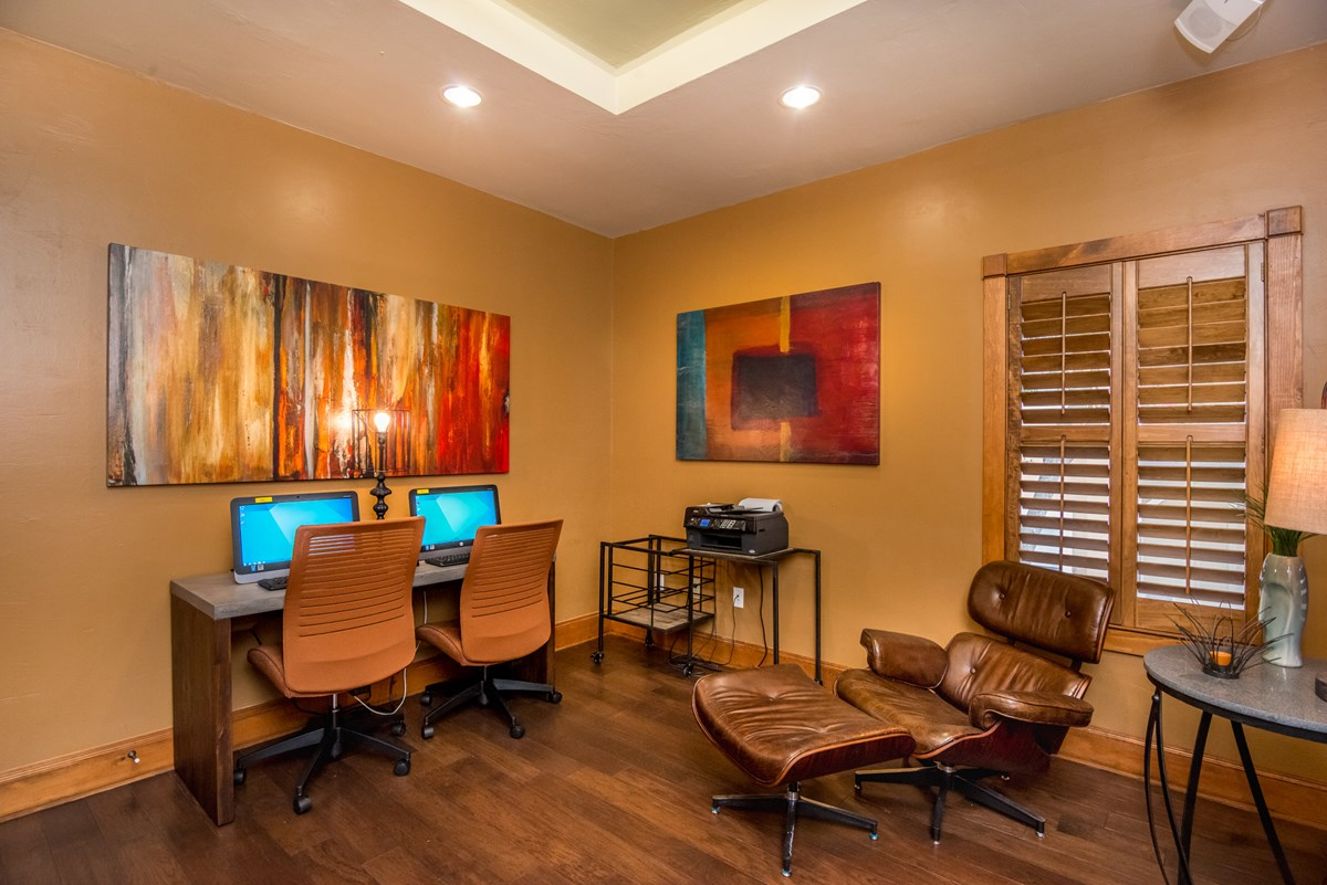 Business Center at Listing #141376