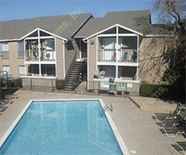 Pool at Listing #139885