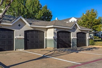 Exterior at Listing #137895