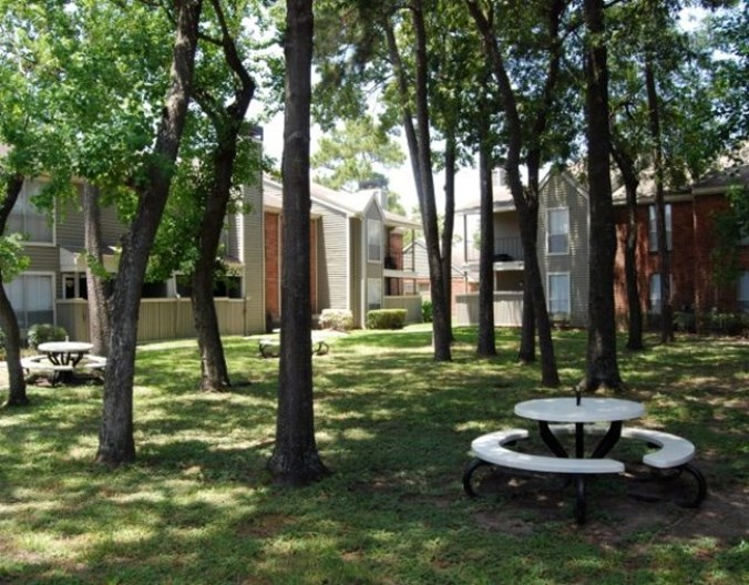 Tall Timbers Apartments