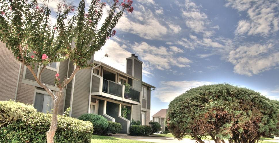 Bella Vista Apartments & TownHomes Houston TX