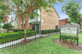 Fox Bend Townhomes Apartments Garland TX