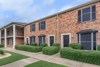 Exterior at Listing #139832