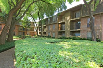 Exterior at Listing #139825