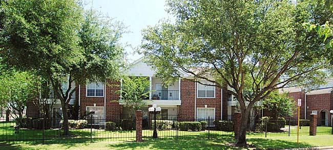 Savannah Place I & II Apartments Houston TX