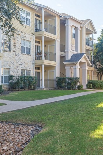 Rocking Horse Ranch Apartments