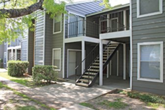 Exterior at Listing #141251