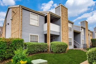 Exterior at Listing #137017