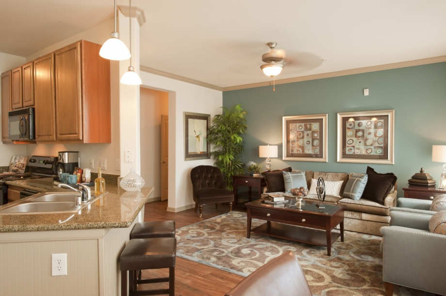 Living/Kitchen at Listing #144208