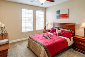 Bedroom at Listing #138298