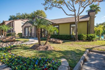 Exterior at Listing #138928