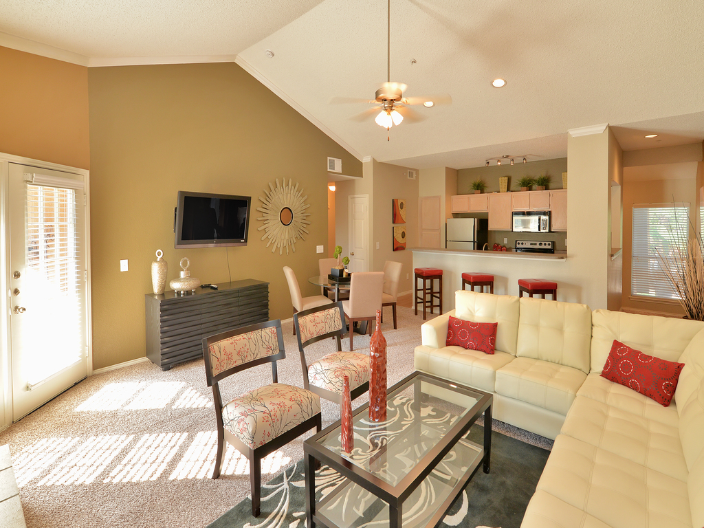 Living Room at Listing #137570