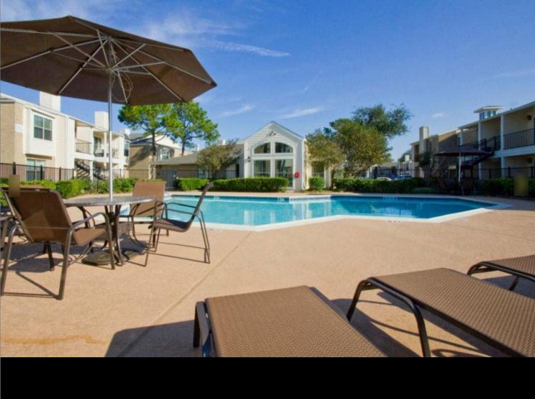 Pool at Listing #139403