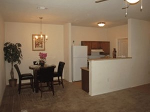 Dining at Listing #145770