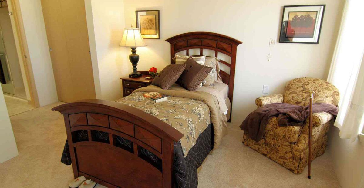 Bedroom at Listing #232400