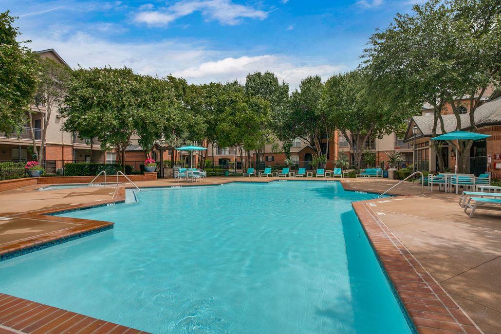 Pool at Listing #137761