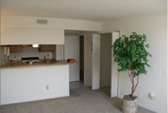 Living at Listing #139691
