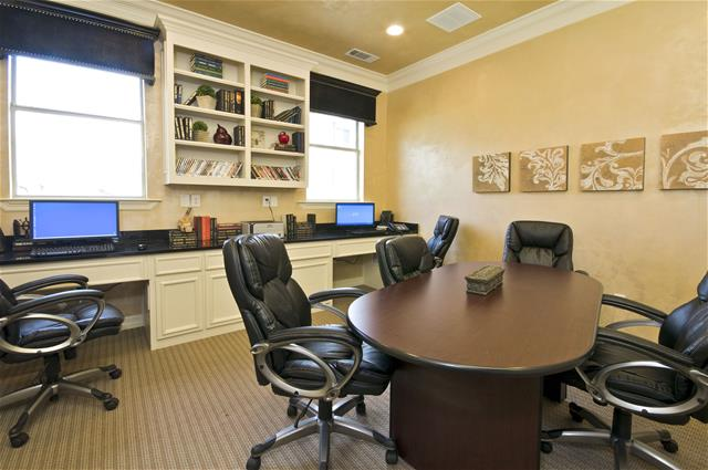 Business Center at Listing #147021