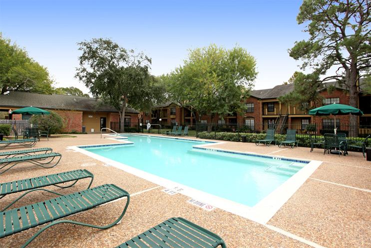 Pool at Listing #138489