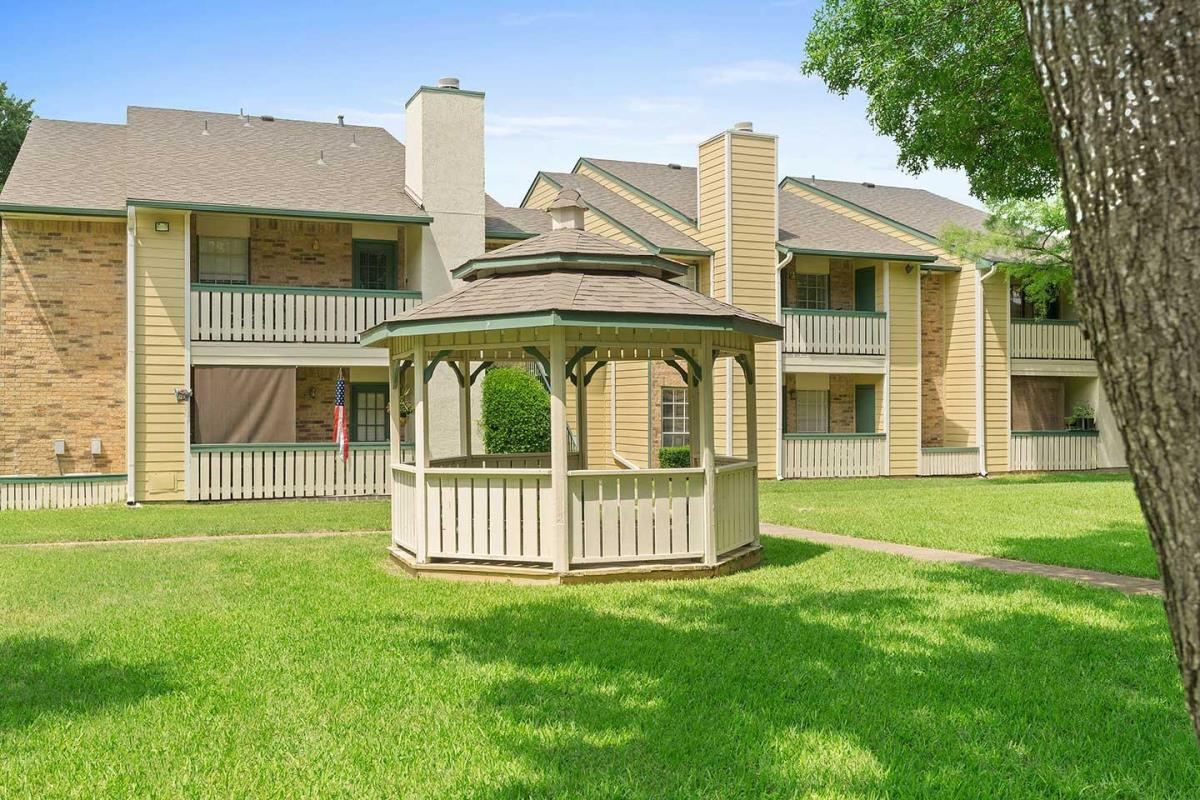 Exterior at Listing #135806