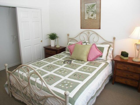 Bedroom at Listing #138488