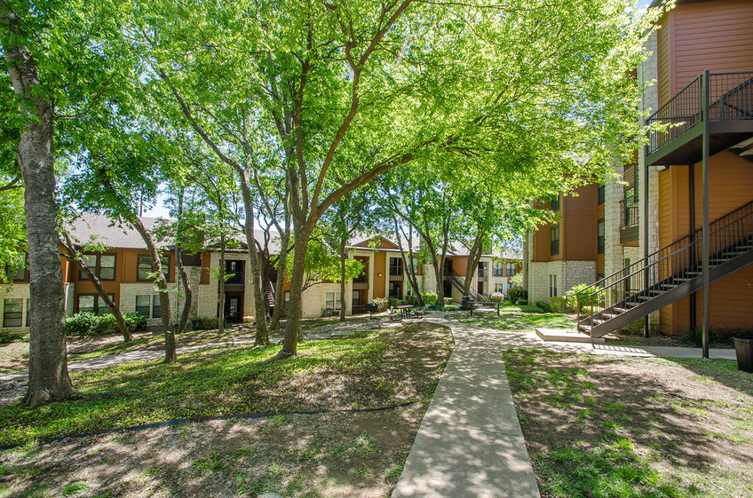 Saratoga Ridge Apartments Austin, TX