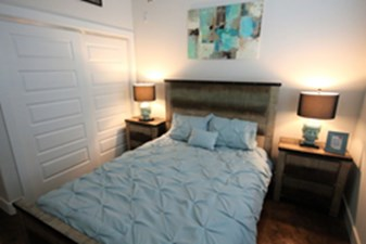 Bedroom at Listing #149862
