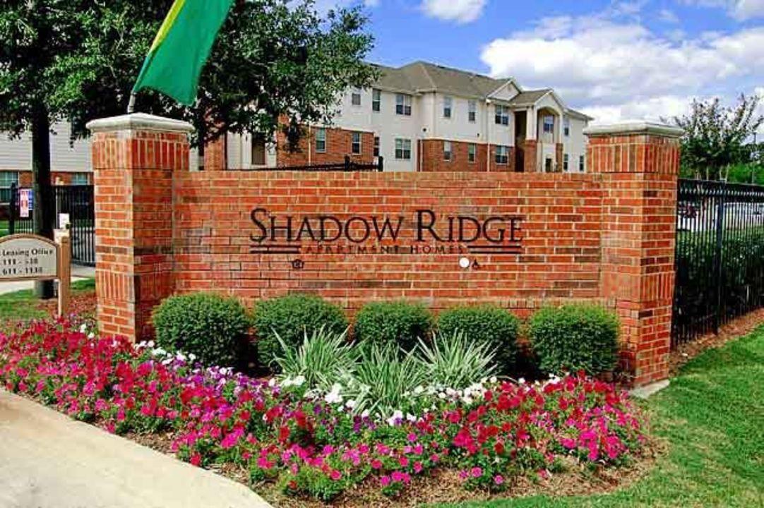 Shadow Ridge Apartments Houston TX