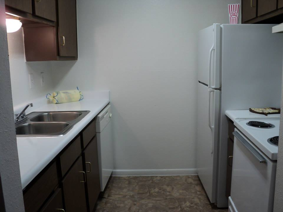 Kitchen at Listing #139887