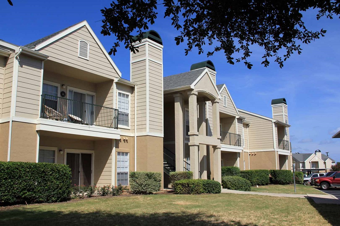 Exterior at Listing #141380