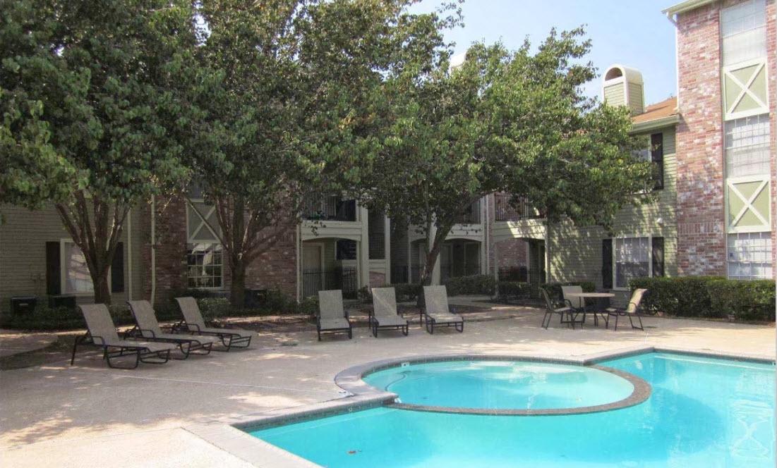 Pool at Listing #138604