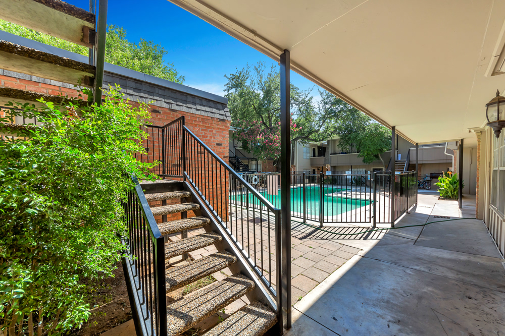 Pool at Listing #136928