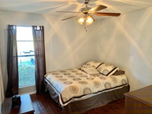 Bedroom at Listing #137302