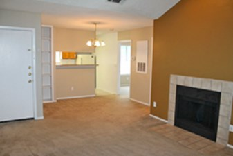 Living Room at Listing #141251