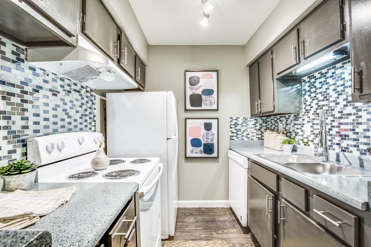 Kitchen at Listing #138505