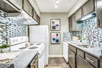 Kitchen at Listing #138505