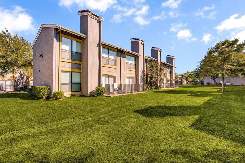 Surround Apartments
