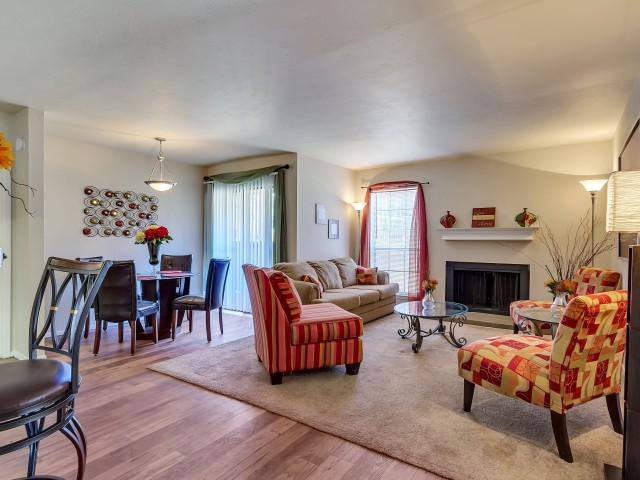 Living/Dining at Listing #137030