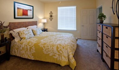 Bedroom at Listing #144427