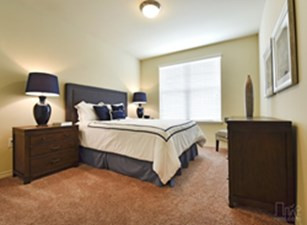 Bedroom at Listing #277828