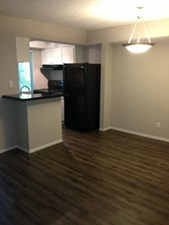 Dining at Listing #140366