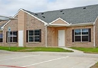 Villas of Seagoville at Listing #144953