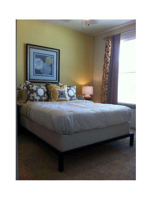 Bedroom at Listing #152200