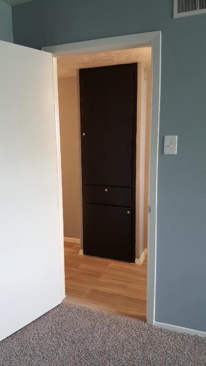 Hallway  at Listing #136317