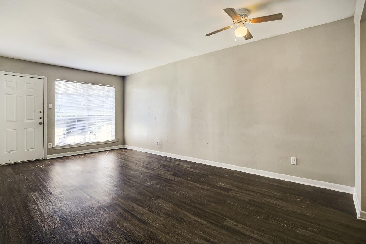 Living at Listing #138404
