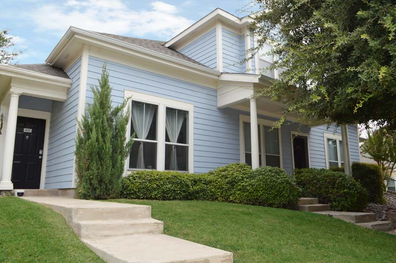 Exterior at Listing #137700