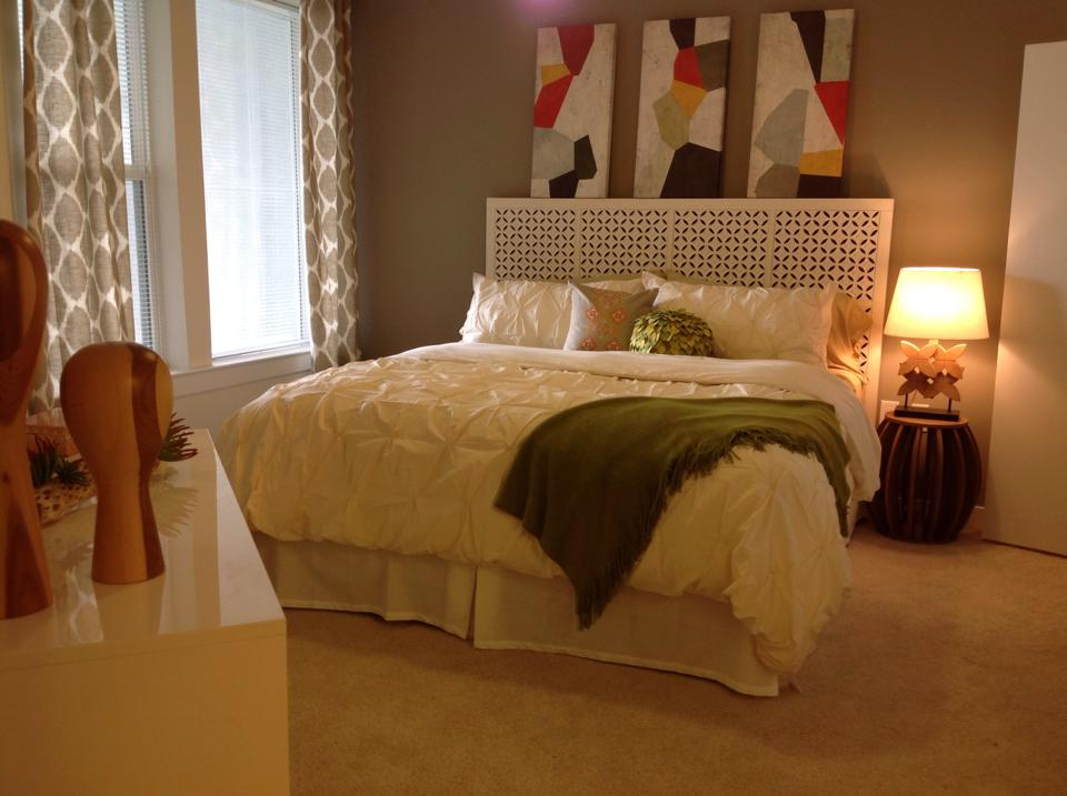 Bedroom at Listing #229059