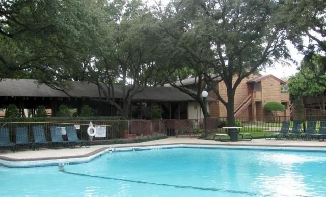 Pool at Listing #135682