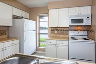 Kitchen at Listing #138459